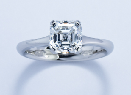 Four claw platinum ring with an asscher cut diamond