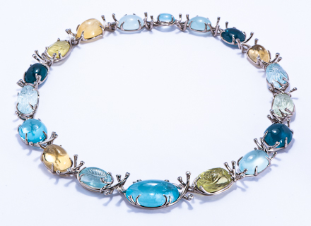 Meadow white gold collar with aquamarines, tourmalines, beryls and diamonds