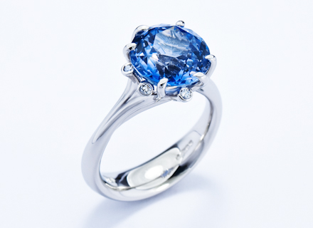 Meadow cluster platinum ring with Ceylon sapphire and diamonds